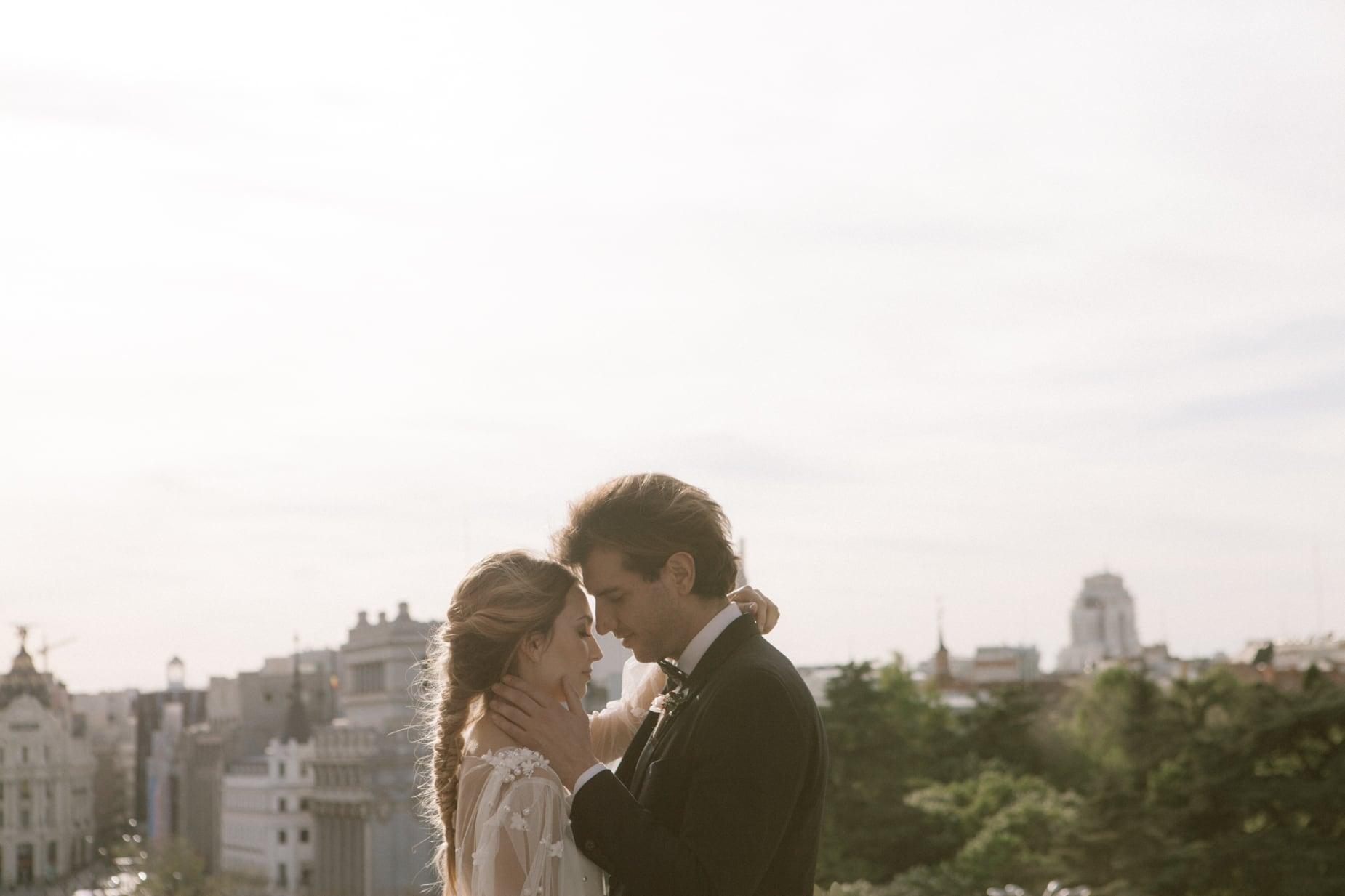 fotografo-de-boda-elegante-teraza-de-cibeles-en-madrid-kaleidoswedding